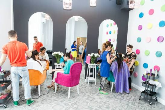 MONROE make-up and hair lounge  (12)
