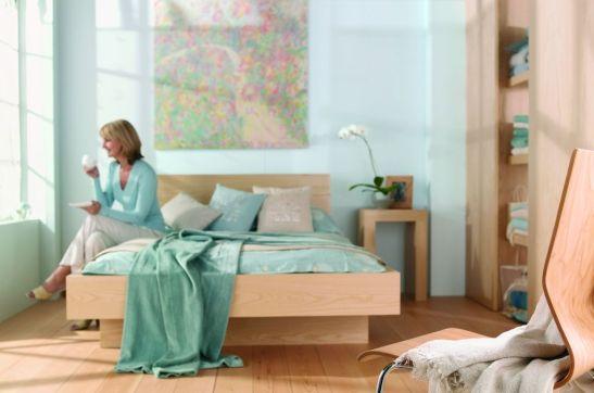 Nuanta de albastru turcoaz pal in dormitor Foto Copyright © Akzo Nobel