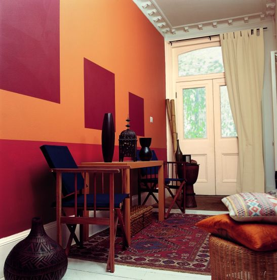 Nuanta orange in living amenajat exotic Foto Copyright © Akzo Nobel