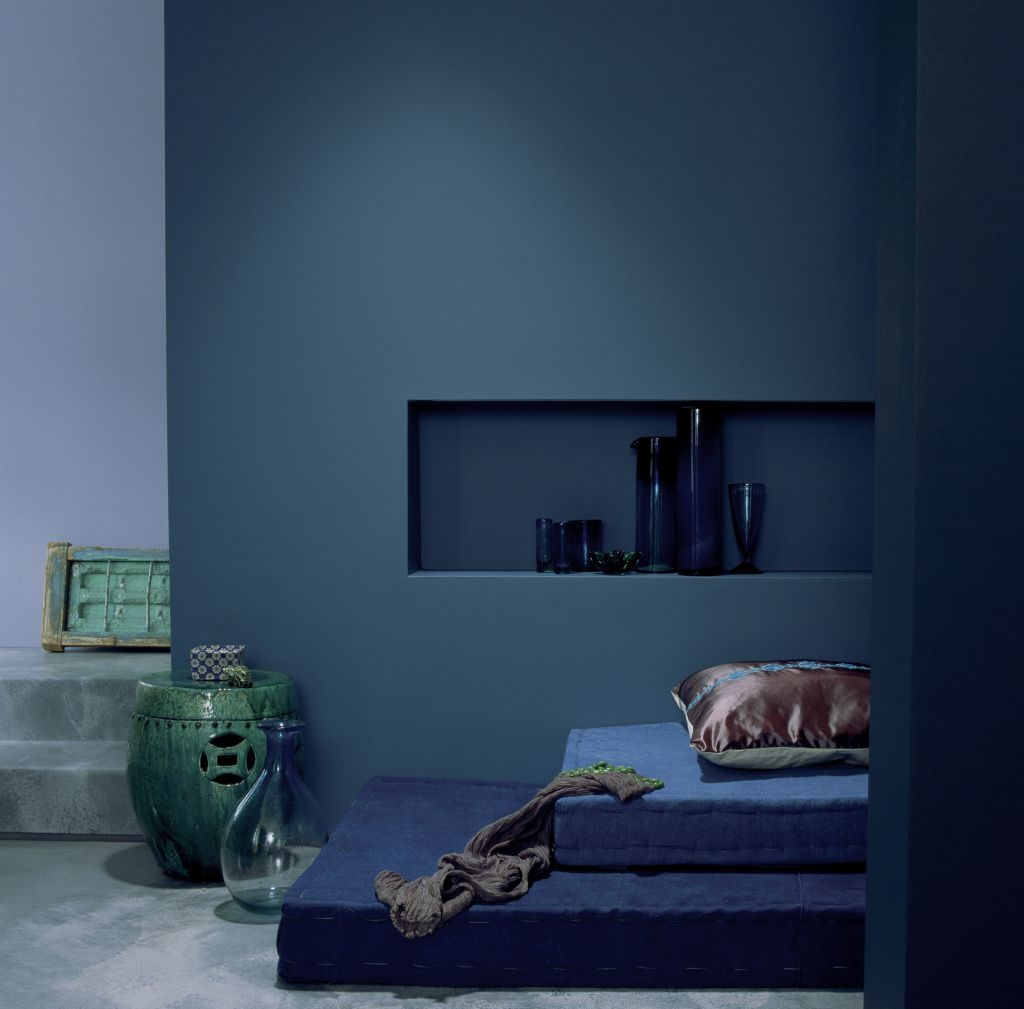 Nuante de albastru profund catre indigo Foto Copyright © Akzo Nobel