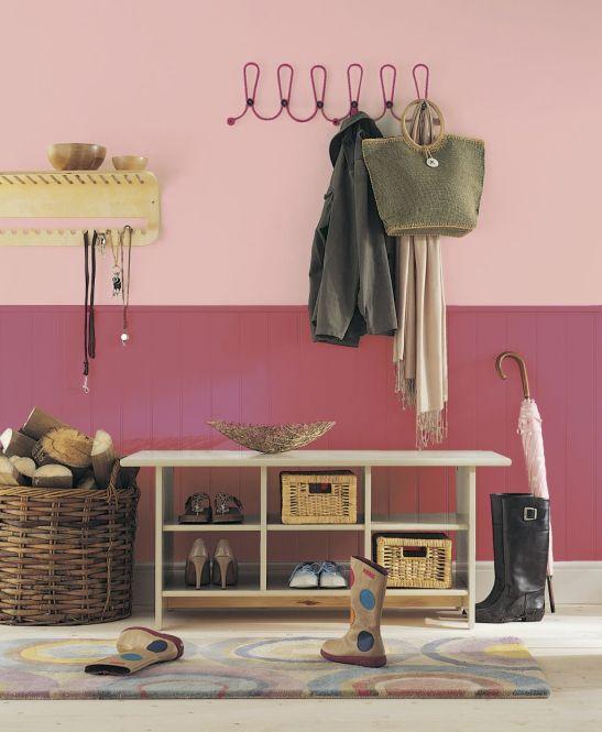 Roz combinat cu caramiziu in hol Foto Copyright © Akzo Nobel