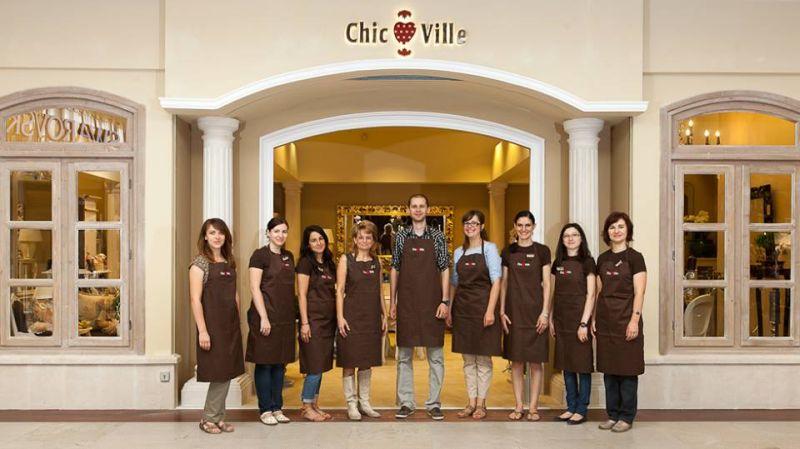 Echipa de la magazinul Chic Ville din Iulius Mall Cluj Napoca