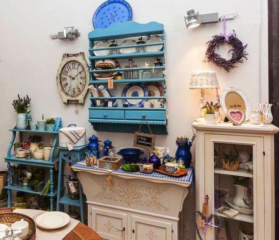 Blidar retro cu sertare din lemn albastru 1250 lei de la Chic Ville