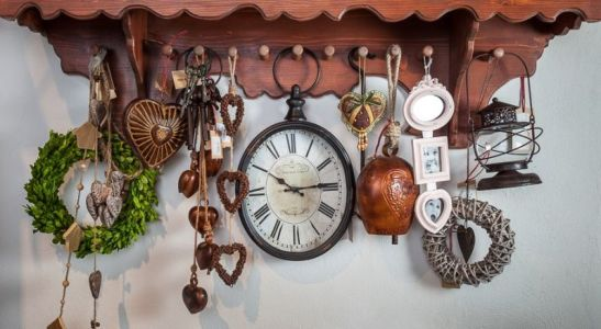Ceasuri de perete modele similare preturi intre 94 si 104, 90 lei de la Chic Ville