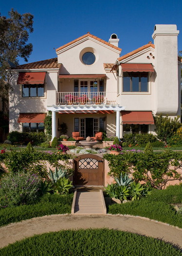 adelaparvu.com despre gradina formala cu flori  design Margie Grace (13)