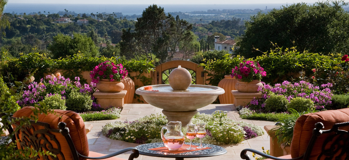 adelaparvu.com despre gradina formala cu flori  design Margie Grace (3)