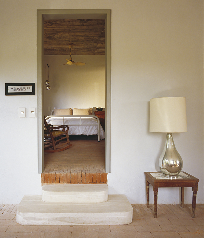 Conacul de la tara maison couturier adela parvu for Designhotel 21