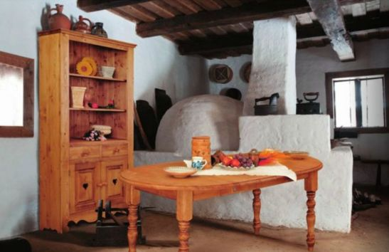 adelaparvu.com Mobila din lemn masiv de la Transilvania Production 1 (4)