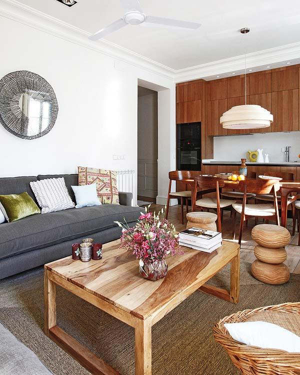 adelaparvu.com despre apartament cu mobila din lemn (4)