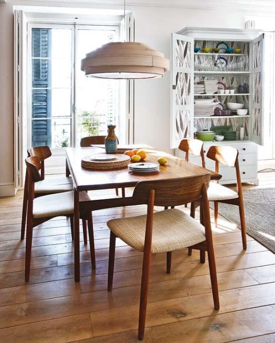 adelaparvu.com despre apartament cu mobila din lemn (6)