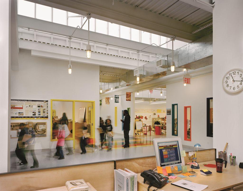 adelaparvu.com despre Bronx Charter School for the Arts (2)