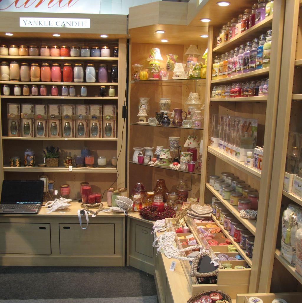 Noile esente de la lumanari parfumate si parfumuri pentru camera de la Yankee Land
