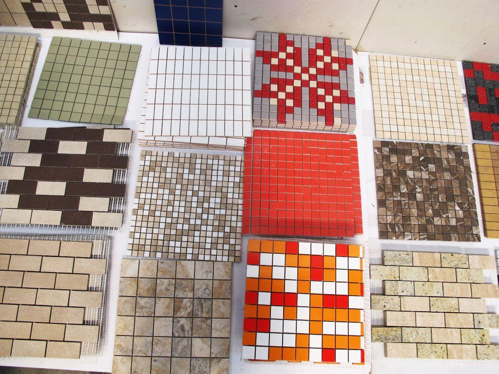 Modele frumoase de mozaic expuse in fabrica