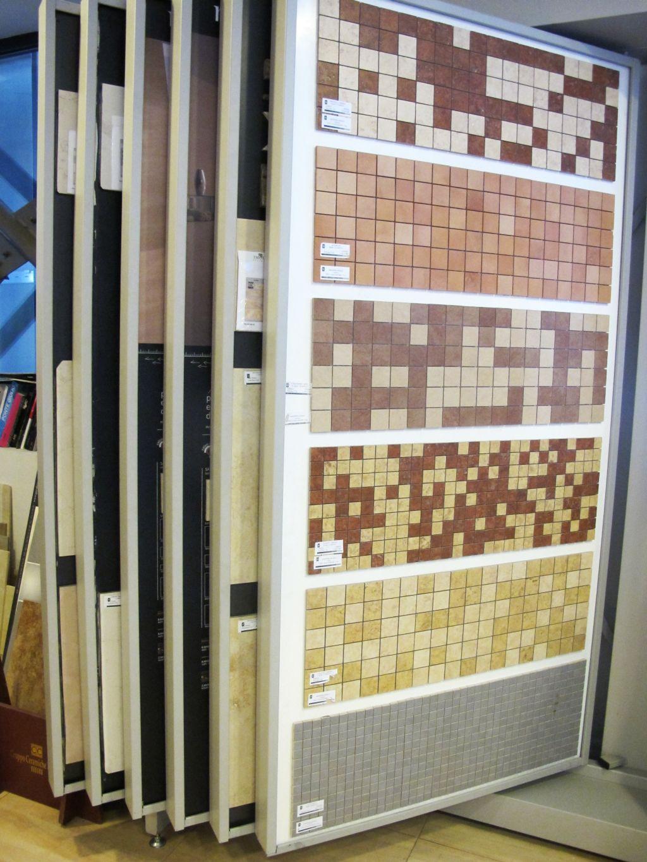 Mostre de mozaic produse in Fabrica de Mozaic sunt expuse in showroomul Menatwork