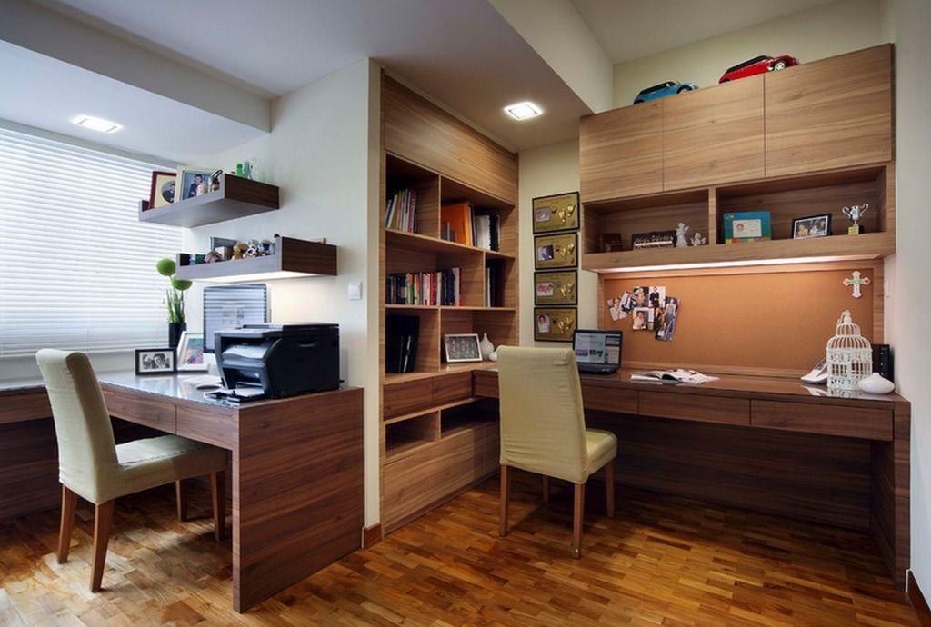 Daca n-ai loc sa pui cele doua birouri impreuna, nu e nicio problema. Uite o solutie ingenioasa pentru o camera cu o forma aparte. Sursa foto AICI