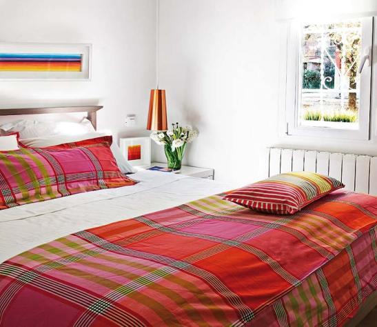 adelaparvu.com despre locuinta mica cu bucatarie deschisa designer Paloma Pacheco Foto Micasa (9)