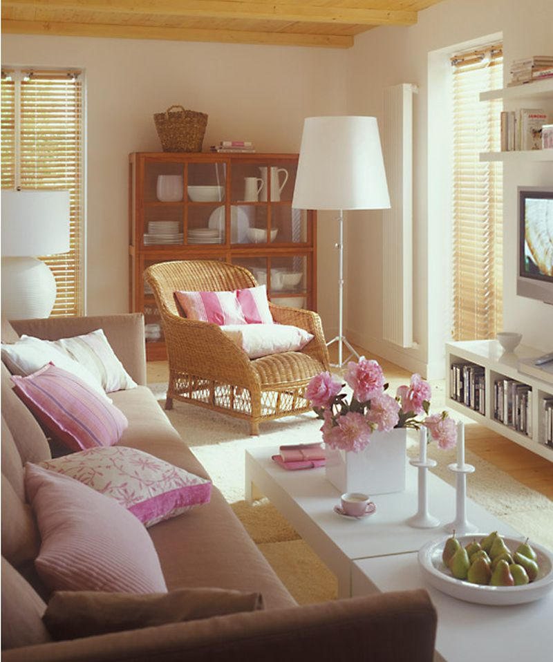 adelaparvu.com despre mobila in camera cu multe usi si ferestre (2)