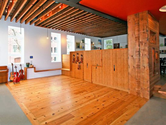 adelaparvu.com despre scoala transformata in casa Design SGW Architects (22)