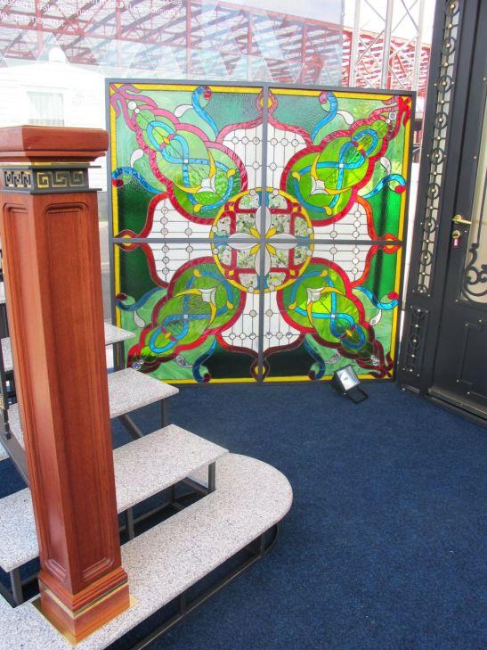 Firma SuperFaber colaboreaza cu artisti plastici pentru realizarea vitraliilor