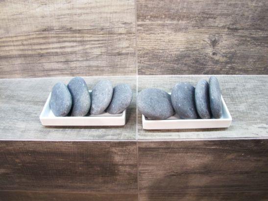 In standul firmei Rex la Cersaie 2013 detaliu placi ceramice care imita textura lemnului