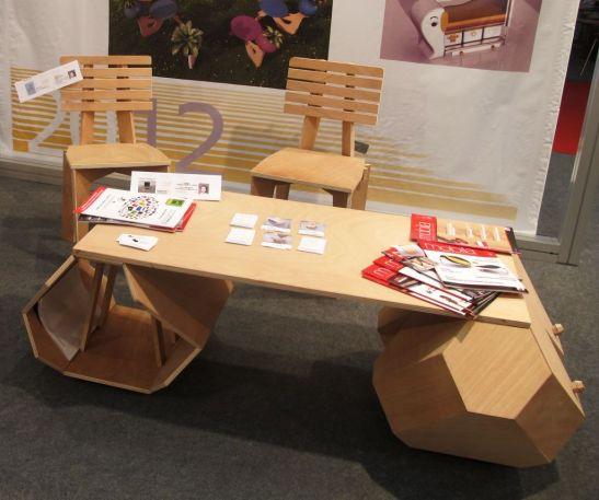 Masa Hexagon si scaune, designer Ologeanu Claudiu Gabriel