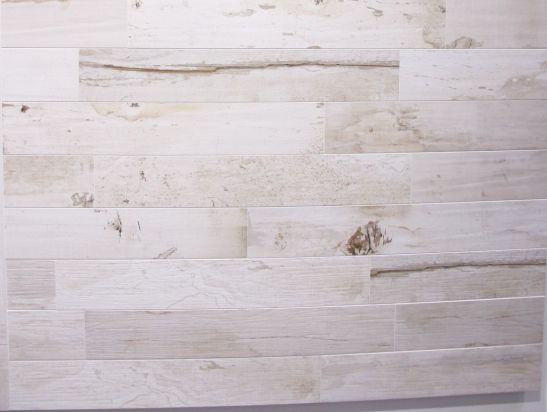 Placi ceramice care imita lemnul in standul firmei Rex la Cersaie 2013