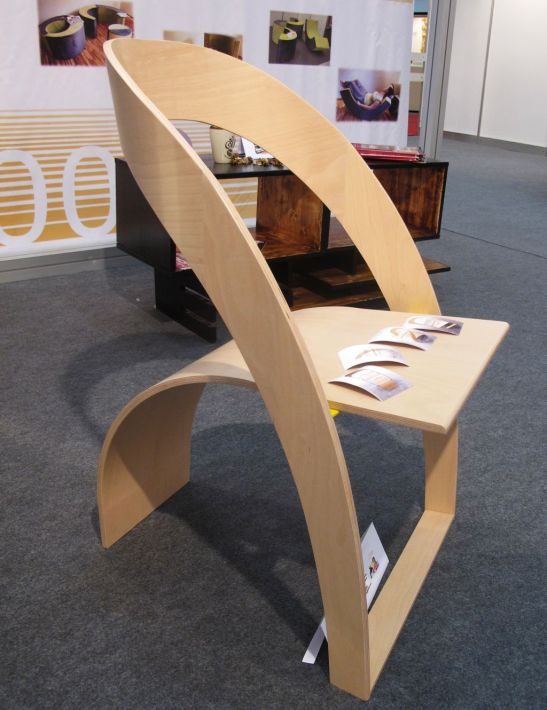 Scaun Counterpoise, realizat de Becker Romania, designeri Olariu Veronica si Enuta Cristina