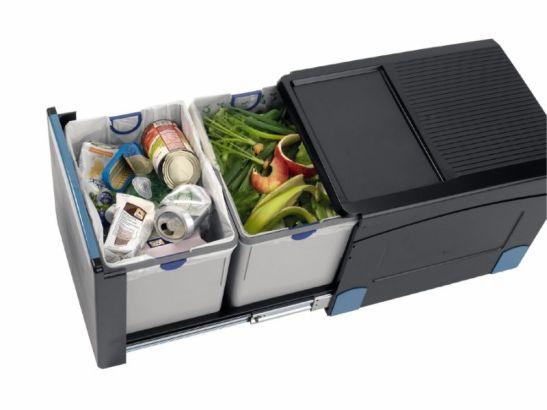 Sistem de reciclareselectiva pentru acasa Q compostable bin liner de la Brabantia. Se poate integra in mobilier