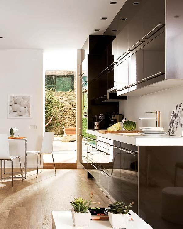 adelaparvu.com despre apartament in alb si negru Foto Micasa (4)