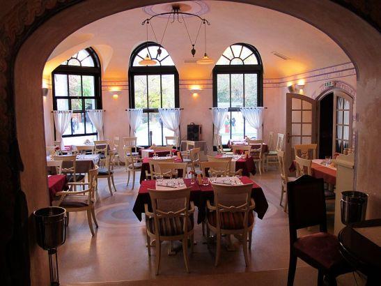 adelaparvu.com despre Cafeneaua Veche (14)