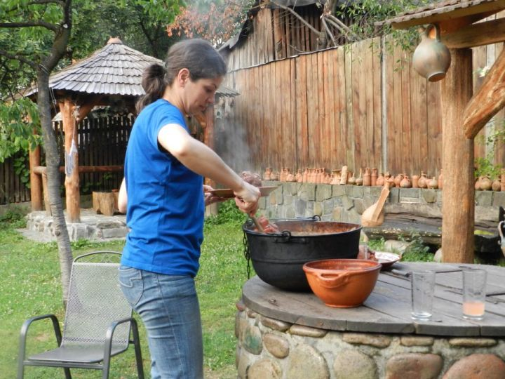 adelaparvu.com despre Casa Olarului Maramures (3)