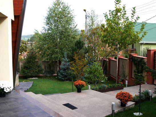 adelaparvu.com despre gradina unei case de familie la Iasi peisagist Claudiu Ivascu (1)