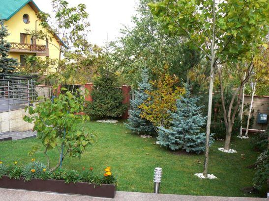 adelaparvu.com despre gradina unei case de familie la Iasi peisagist Claudiu Ivascu (2)