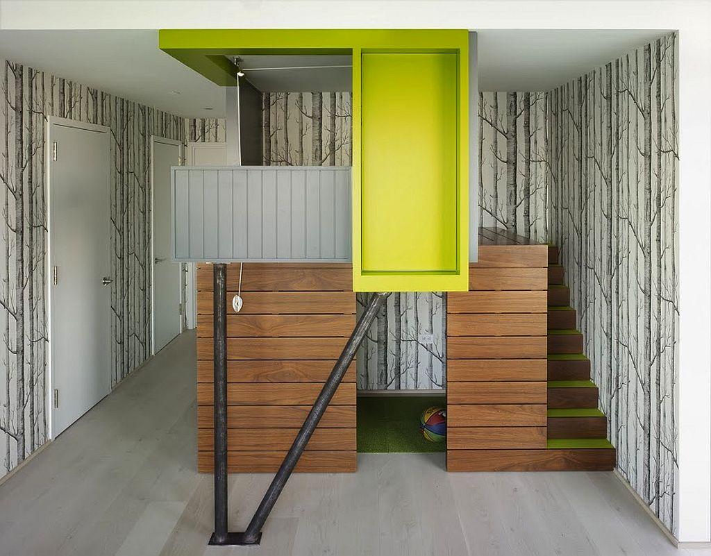Locul de joaca de pe hol aproape de dormitoarele copiilor