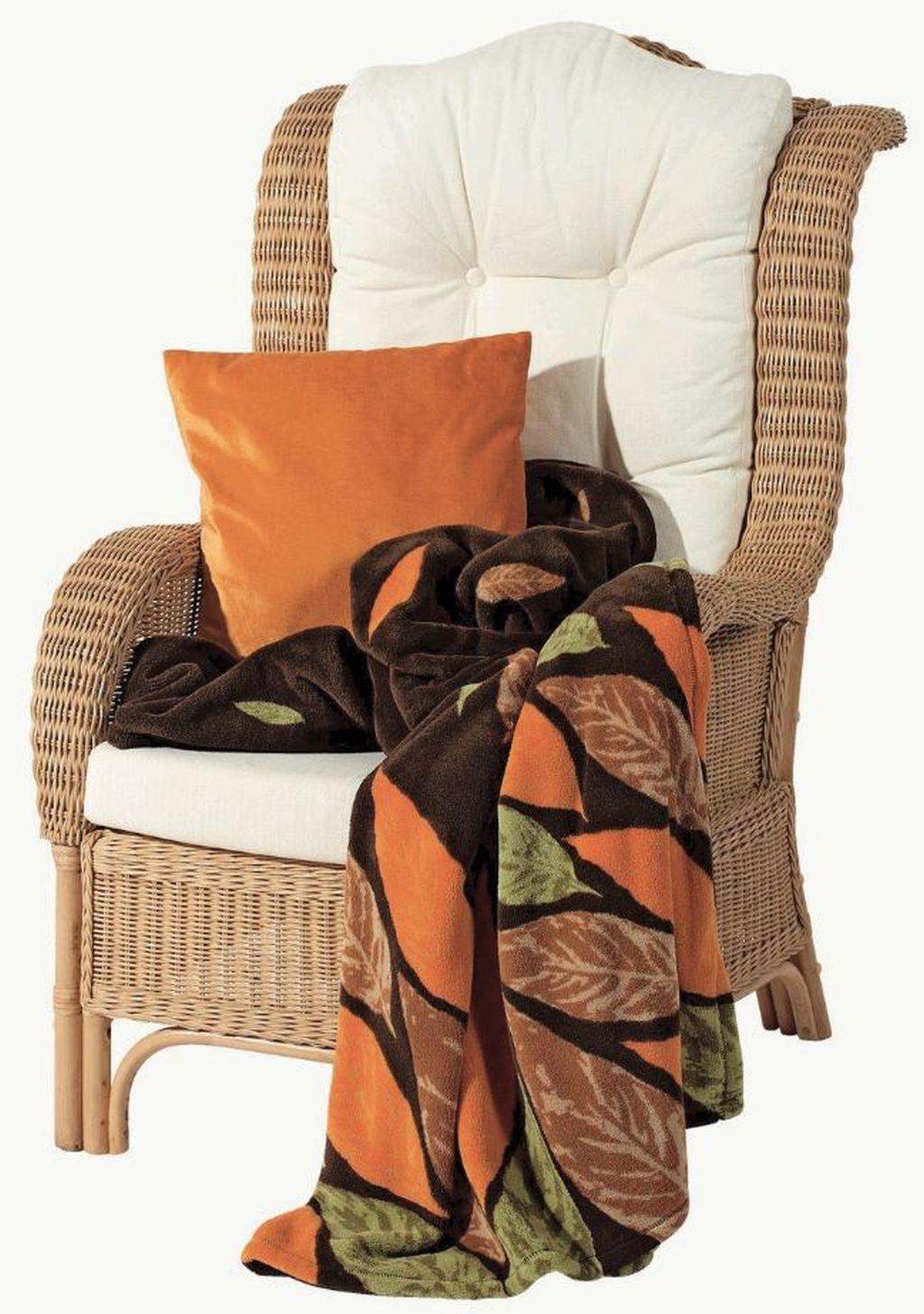 Pătură Fleece, dimensiune 150 x 200 cm, material 100% poliester. Se poate spăla la 30 grade. Intrare la apă5%. De la kika, preț 119,00 lei