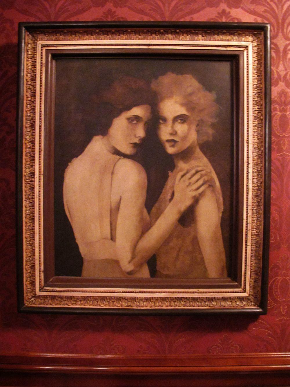 Desera e bal in Salonul Oval, artist Barbara Hangan