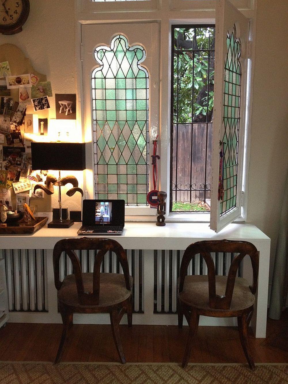 Design Colman Riddell Interiors. Glaful e transformat intr-o masa de birou.