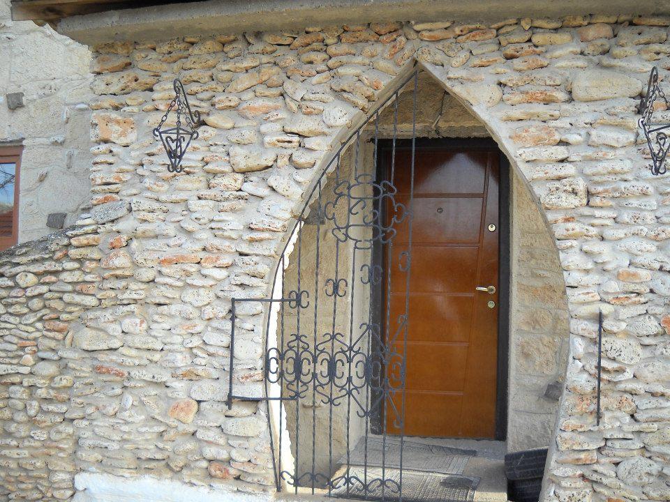 adelaparvu.com despre Mihai Cubanit zidarul caselor de piatra (13)