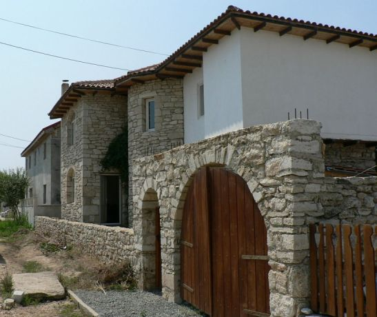 adelaparvu.com despre Mihai Cubanit zidarul caselor de piatra (19)
