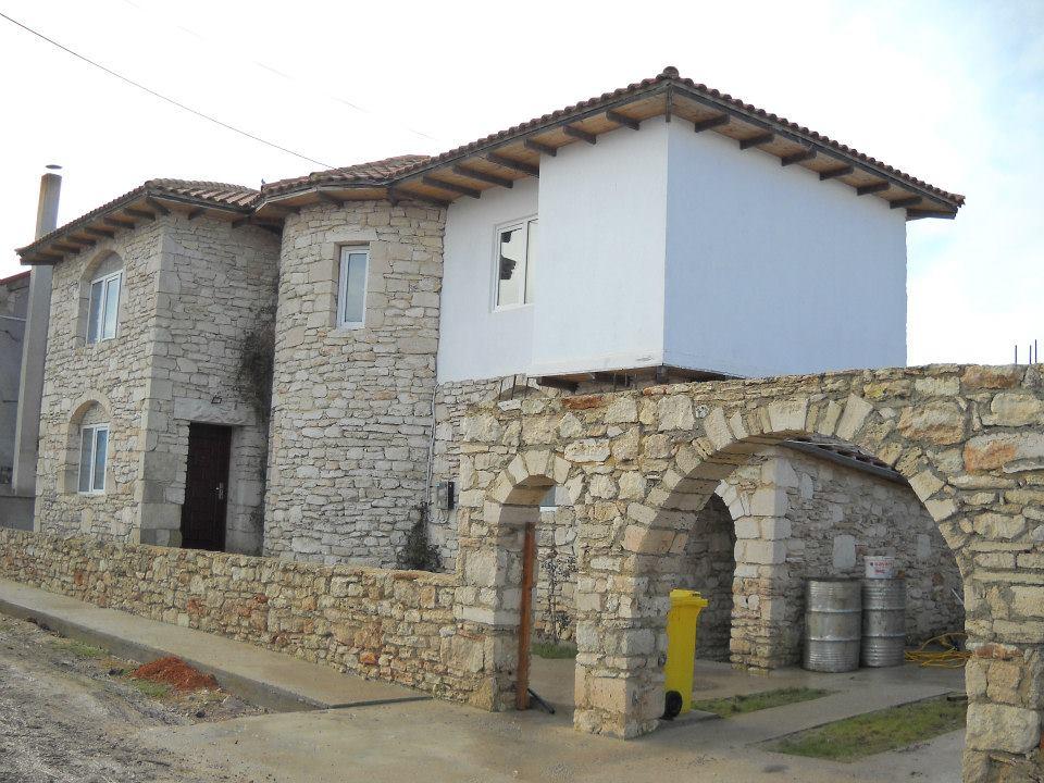 adelaparvu.com despre Mihai Cubanit zidarul caselor de piatra (9)