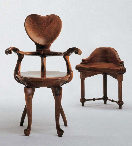 alvet fotoliu si scaun, design Antoni Gaudí 1902